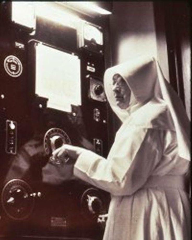 """34 Me gusta, 1 comentarios - Radiología & Salud (@radiologiasalud) en Instagram: """"El primer técnico #radiólogo del mundo fue Sor M. Beatriz Merrigan, de la congregación Hermanas de…"""""""