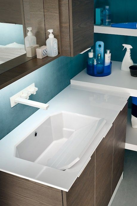 L02 | Compab _ Washbasin for laundry with tablet.