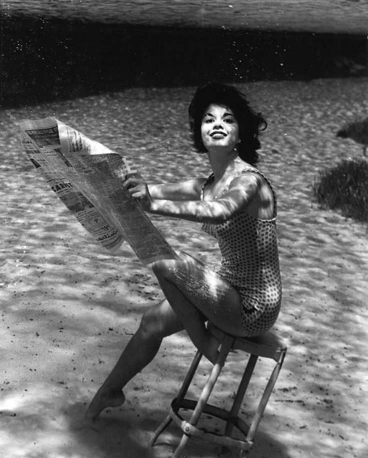 Pin-up Underwater Photoshoot in 1938 Now known as a pioneer, american photographer Bruce Mozert started taking underwater photographs in 1938 in the clear waters of Silver Springs in central Florida. For this series, he captured surreal images of submerged women reading or talking on the phone thanks to waterproof housings for cameras he developed.