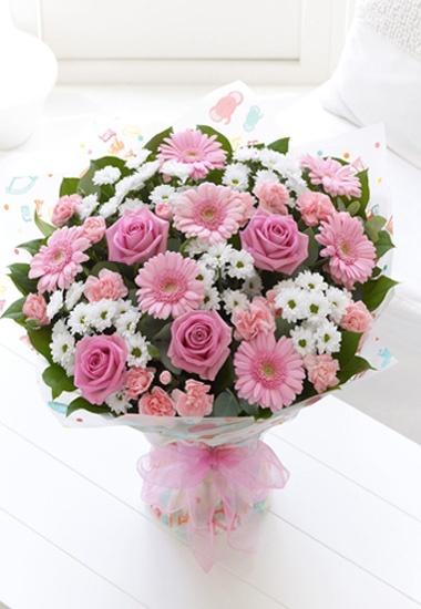 Interflora® Fleurop® Italia - Bouquet Nascita - Bouquet per nascita con rose e gerbere rosa e mini sancarlini