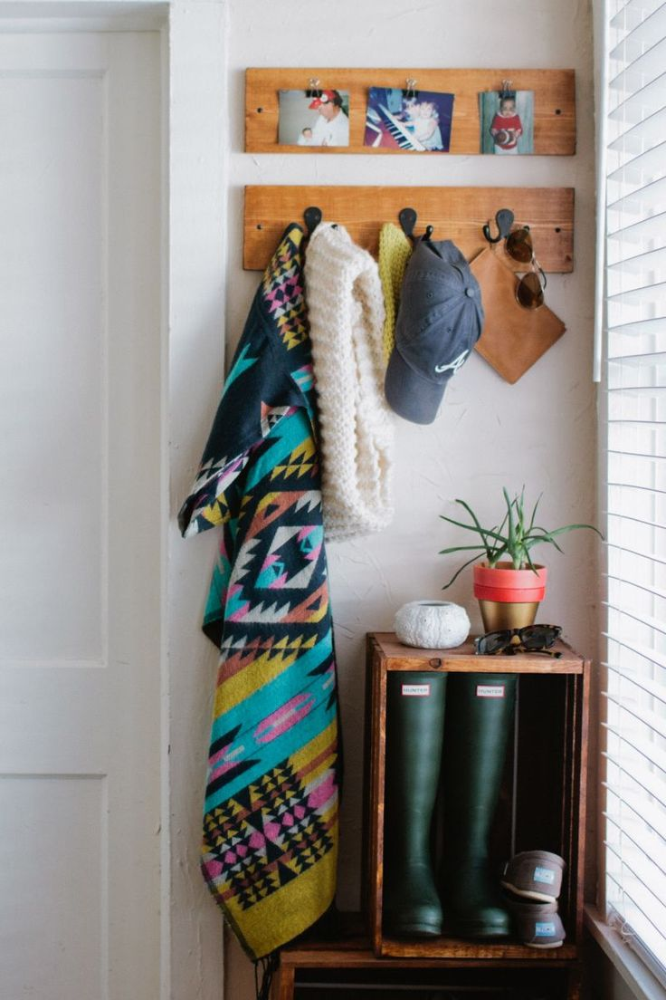 Mattie Tiegreen's Athens, Georgia Home Tour #theeverygirl #entryway #storage #hunter
