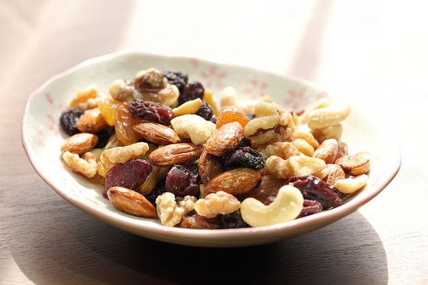 Dried Fruit and Nuts | The 14 Best Things To Eat After A Workout