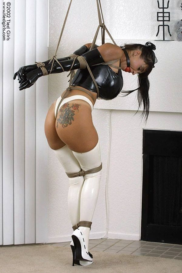 Restraining a submissive with rope bondage pics 497