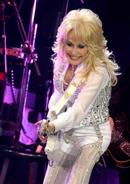 Dolly Parton Performs in Knoxville