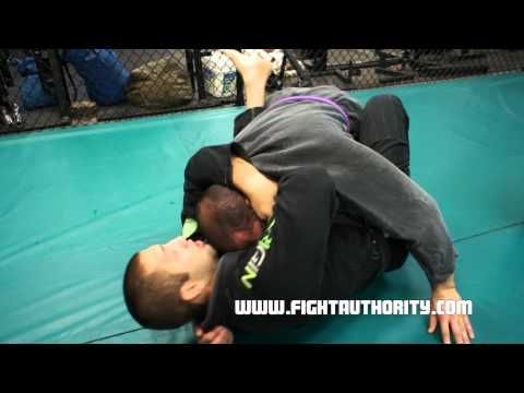 Simple Jiu-Jitsu Closed Guard Choke with Formiga - Brazilian Jiu-Jitsu Choke - BJJ Technique