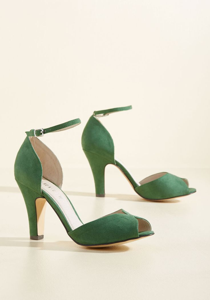 Fine Dining Heel in Emerald. A fabulous meal is made even richer by these green heels! #green #modcloth
