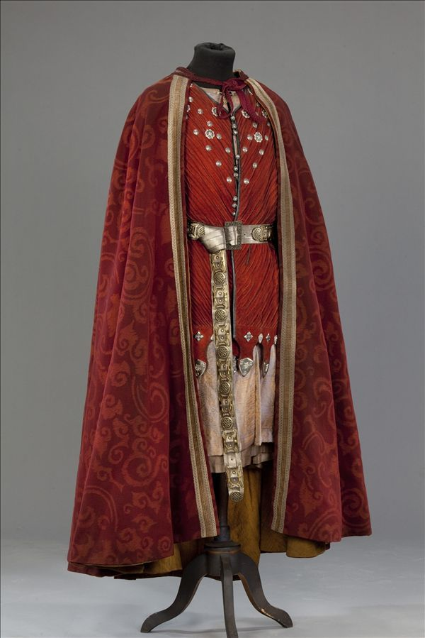 Edward III costume from World Without End (2012)