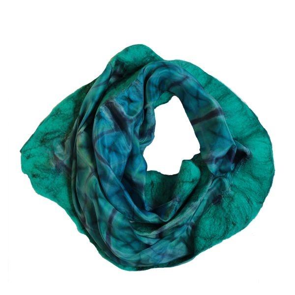 Shibori scarf I by Laurine: Oolmoo Shibori, Style Fashion Beautiful, Color, Dyes Scarfs, Scarves Scarves Scarves, Life Style, Green Oolmoo, Shibori Scarfs, Tye Dyes