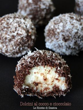 Dolcini veloci al cocco e cioccolato - Ricetta senza cottura
