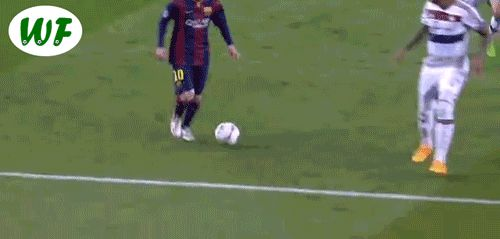 witty-futty:This is how Lionel Messi put Jerome Boateng to sleep !!! OMG, who did this?