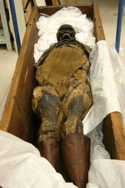 Eine mehr als 600 Jahre alte Mumie wurde vor 55 Jahren in einem Moor bei Hohenpeißenberg gefunden, der Leichnam ist auch heute bestens erhalten. Nun soll Rosalinde in München ausgestellt werden - noch immer ranken sich viele Rätsel um sie.