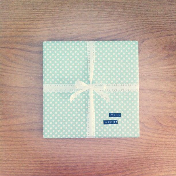 very retro gift wrapping with polka dot + mint + lace bow + #dymo labeling