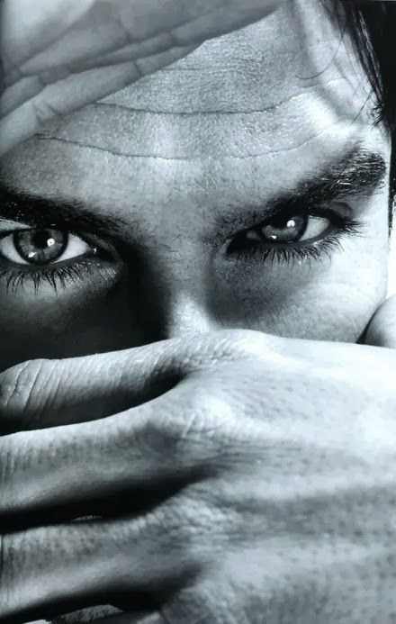 ian somerhalder eyes show off