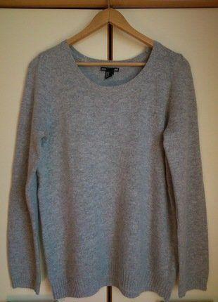 Kup mój przedmiot na #vintedpl http://www.vinted.pl/damska-odziez/swetry-z-dekoltem/17613552-szary-sweterek-basic-hm
