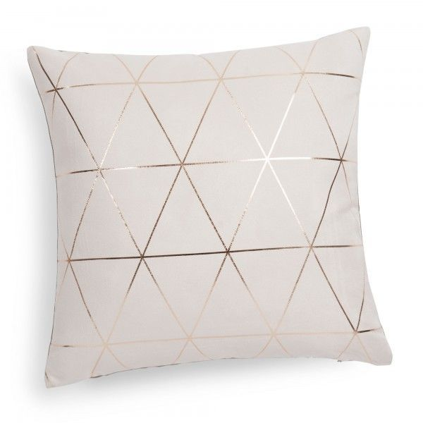 Trends Diy Decor Ideas : coussin doré - tendance 2016  www.homelisty.com......  https://diypick.com/decoration/trends-diy-decor-ideas-coussin-dore-tendance-2016-www-homelisty-com/