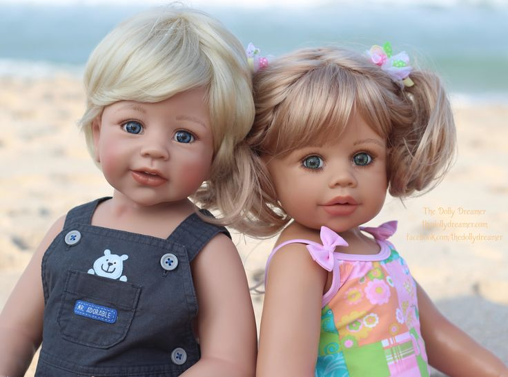 Beach day for the Dolly kids!