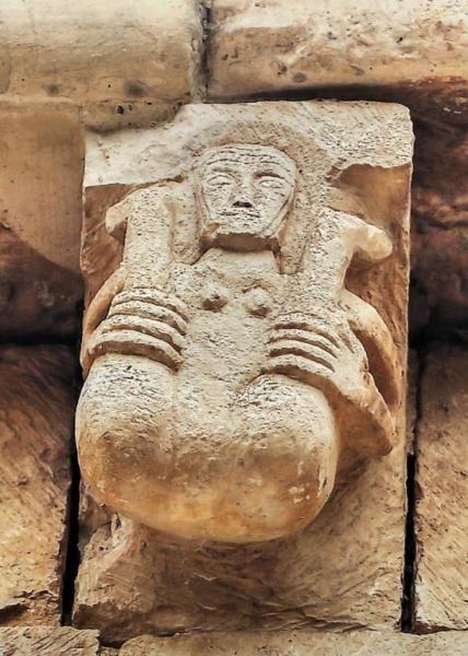 Mujer Exhibicionista, Románico Erótico - San Miguel de Cornezuelo, Valle de Manzanedo, Burgos
