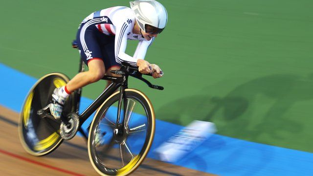 BBC Sport - Track Cycling Worlds 2014: Becky James & Laura Trott win medals