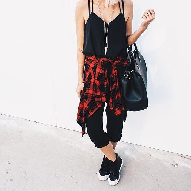 Adoro looks comamisa xadrez! Elas deixam o look lindo e com ar de despojado e são uma daquelas peças de roupa que nunca saem de moda!