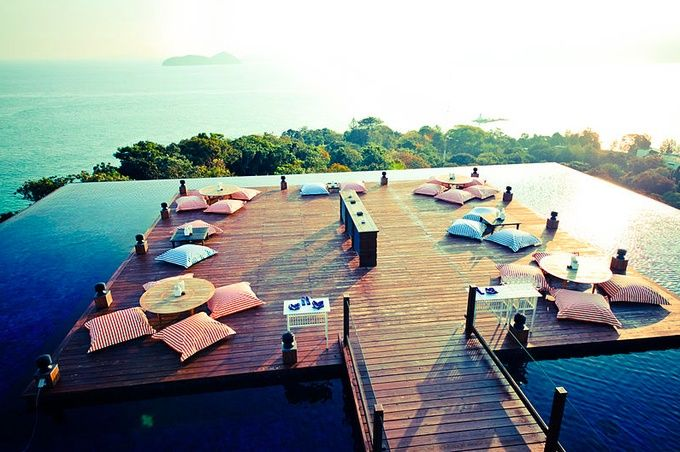 極上リゾートで贅沢なバータイム!行ってみたい世界のビーチバー7選 | RETRIP