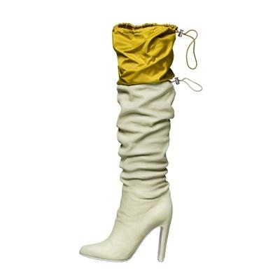 Kenzo  Collezioni Primavera Estate 2013  Stivali in pelle bianca con paracadute giallo in nylon.