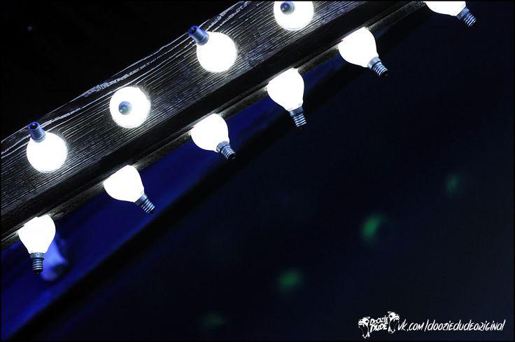"""Светильник """"High Hopes"""" в стиле лофт. Древесный массив и лампочки Ильича. #dooziedude #dooziewood #loft #lights #светильник #лампа"""