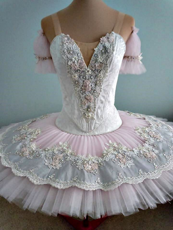 Bodas de Aurora  DQ designs. To follow more boards dedicated to tutus and dance costumes, little ballerinas, quotes, pointe shoes, makeup and ballet feet follow me www.pinterest.com/carjhb. I also direct the Mogale Youth Ballet and if you'd like to be patron of our company and keep art alive in Africa, head over to www.facebook.com/mogaleballet like us and send me message!
