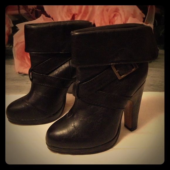 Charlotte Russe dress shoes Classy black Charlotte Russe dress shoes! They would look amazing with skinny jeans or leggings! Charlotte Russe Shoes