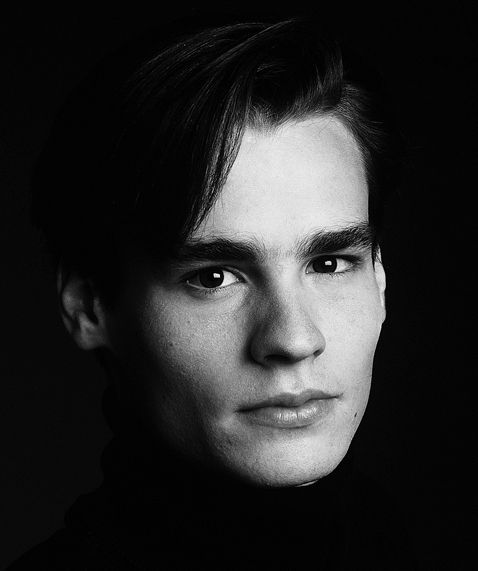 © deborah feingold photography Robert Sean Leonard 1990