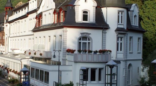 Kurhotel Quellenhof - 3 Star #Hotel - $55 - #Hotels #Germany #BadBertrich http://www.justigo.net/hotels/germany/bad-bertrich/kurhotelquellenhof_219698.html