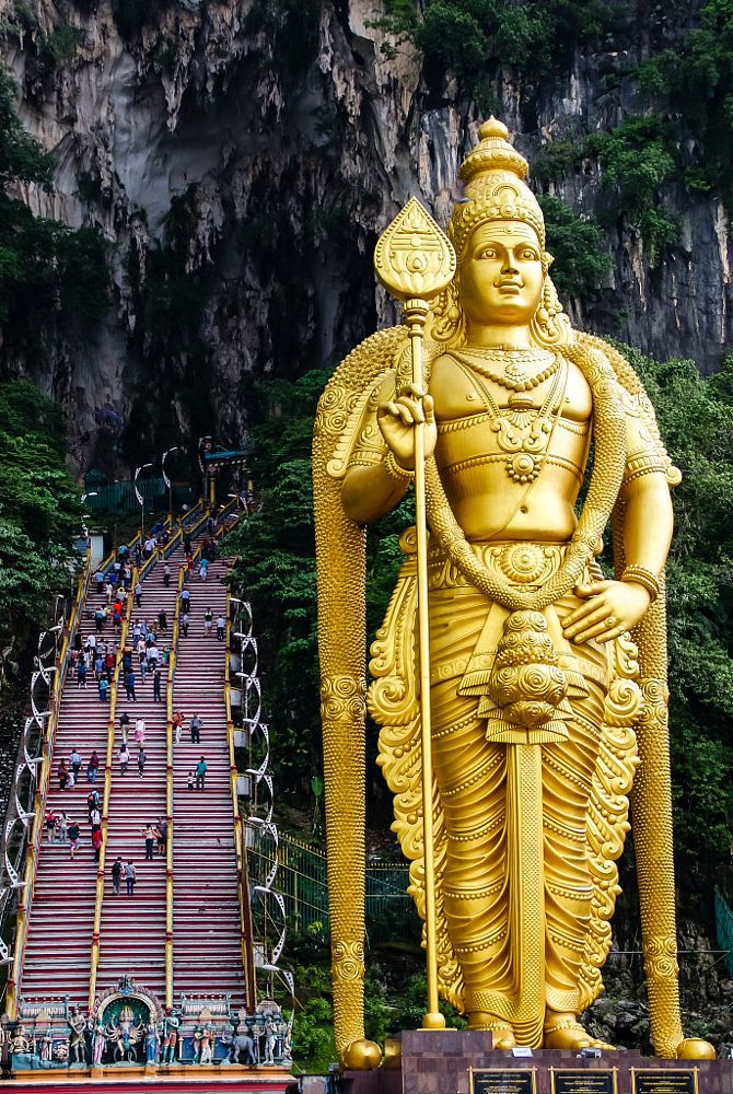 Lord Murugan, Batu Caves in Malaysia by Shaozhi on 500px