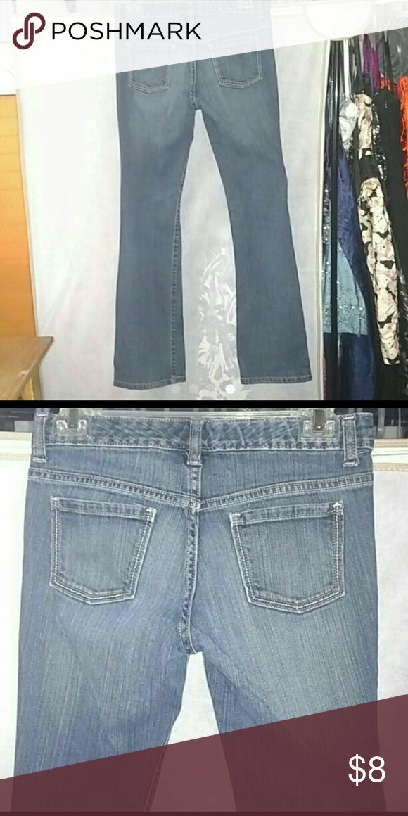 OLD NAVY GIRL'S SIZE 14 BOOT CUT JEANS EUC OLD NAVY GIRL'S SIZE 14 BOOT CUT JEANS EUC  This item is in excellent preowned condition free of any defects. Old Navy Bottoms Jeans