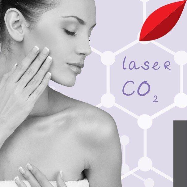 ΠΑΝΑΔΕΣ τέλος! Στα καταστήματα Vivify, η αισθητική δερματολογία πρωταγωνιστεί: η θεραπεία Laser CO2 αποτελεί τη νέα γενιά laser για ανάπλαση με τον πλέον ιδανικό τρόπο! Αποχαιρετήστε ουλές ακμής, δυσχρωμίες, πανάδες, λεπτές ρυτίδες, φωτογήρανση.  Κλείστε τώρα ραντεβού: 2103211446 #vivify #vivifyme #vivifyyourself #laserco2 #dermatology