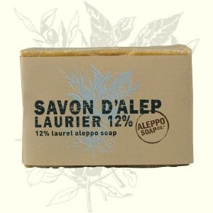Jabón artesanal de Alepo con un 12% de laurel. Pieles sensibles y secas.