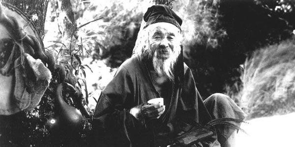 Legendární čínský mistr Lei Ching Yun (?-1933) se údajně dožil přes 250 let, a to díky meditaci, dechovým cvičením, praxi bojových umění a bylinné léčbě tradiční čínské medicíny. Zda je to pravda či ne dnes již nezjistíme, jedno je však jisté - propracovanost a funkčnost čínských metod pro udržení zdraví, síly a vitality taoistických a…