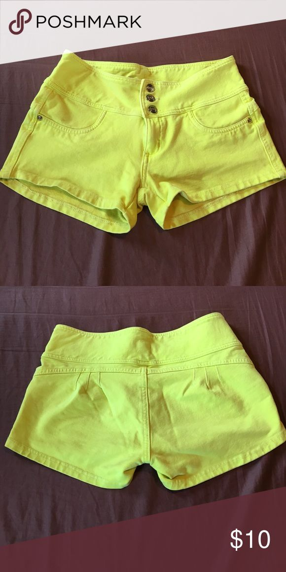 Neon yellow shorts size L Neon yellow shorts. They glow in black light. Size Large however I am a size 6 pants and they fit great and have a lot of stretch to them. Make me an offer! Shorts