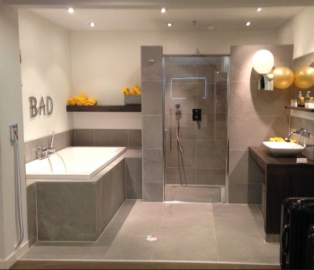 1000 images about badkamer on pinterest toilets tes and tile - Bruine en beige badkamer ...