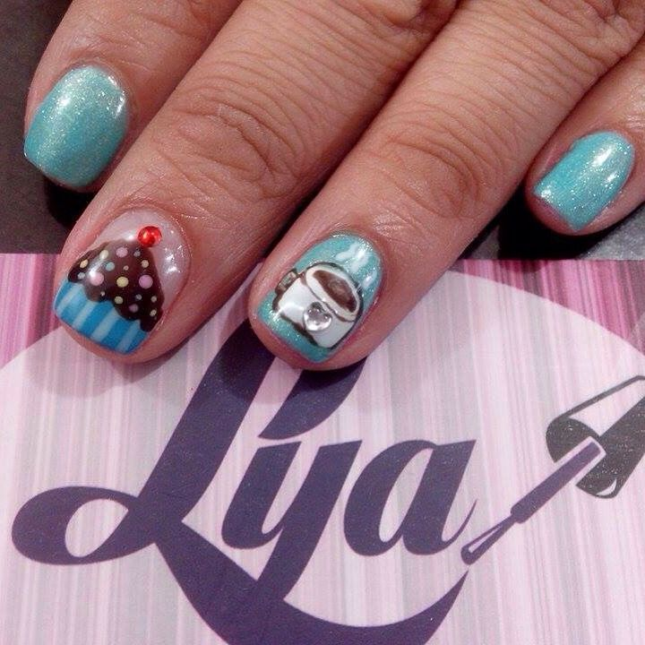Decoración de uñas. Uñas Gelish. Decorado de uñas. #gelish #GelishNails #girls #uñas #fashion #lyabelleza #lya #nails #nailart #decoracionuñas #estilo #moda #beauty #beautiful #cute #café #coffe #orginal #blue #cupcake #cupcakenails