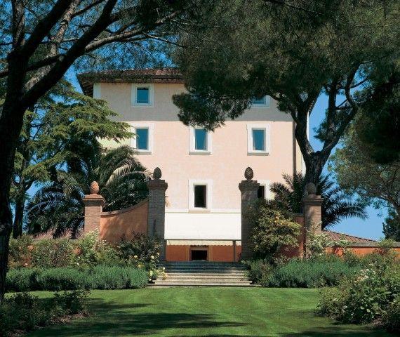 La Famiglia Moretti, ha concretizzato la sua #passione per la #Toscana realizzando il #sogno di aprire un nuovo #resort nel #cuore della #Maremma.