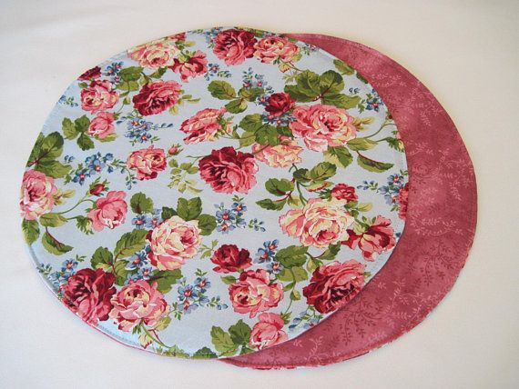 Shabby Chic Pink Rose Circular Placemats Set 2 4 6 Reversible Etsy Shabby Chic Pink Floral Placemats Placemats