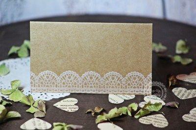 Ültetőkártya csipkebordűrrel  #ültetőkártya #esküvőidekoráció #weddingplacecard #weddingescortcard #vintagewedding info@popupwedding.hu, www.popupwedding.hu
