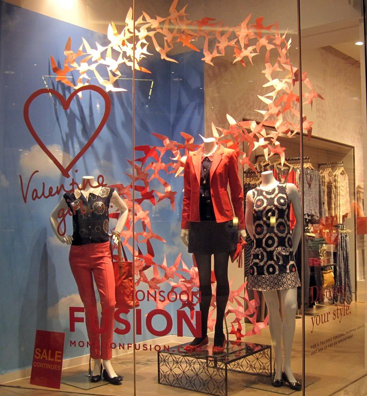valentine's day window display - Google Search | Boutique ...