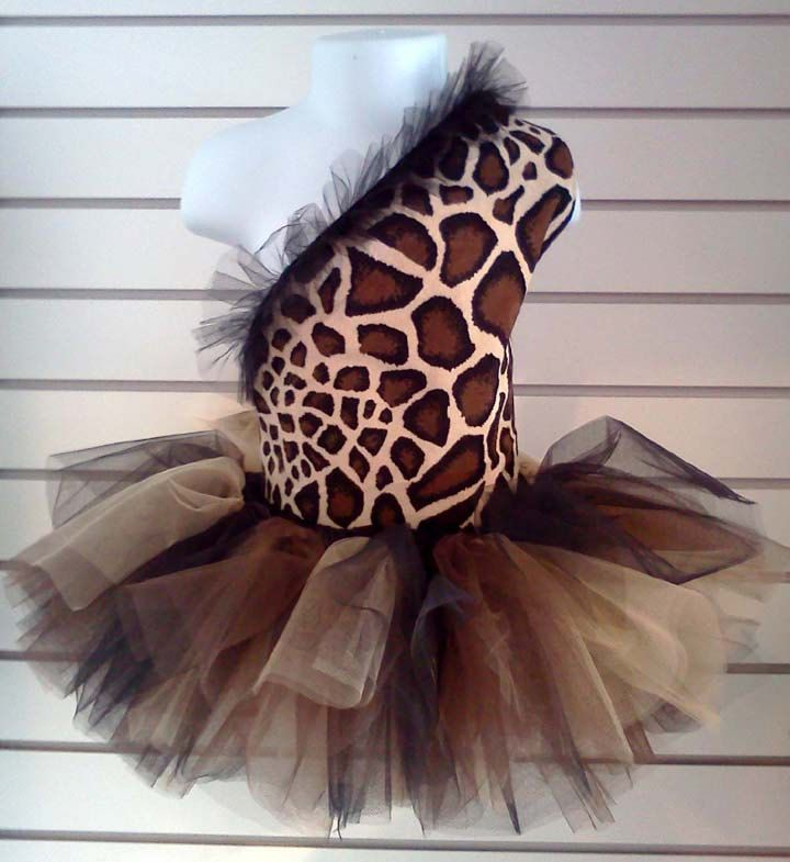 Giraffe top and  tutu with matching bow. $92.00, via Etsy.