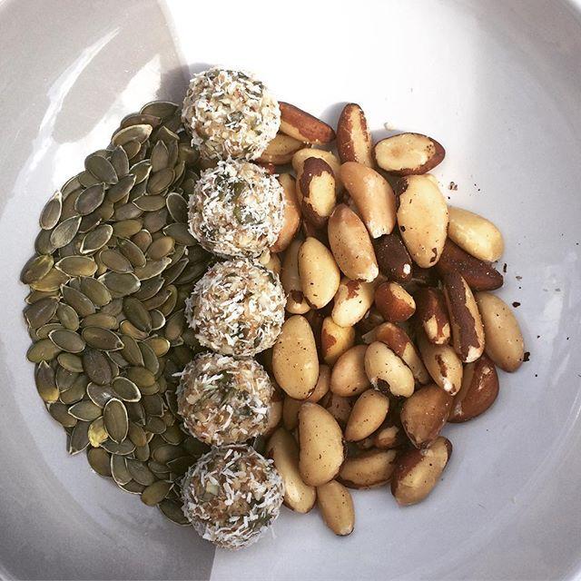 Thyroid boosting bliss balls recipe  http://livsapothecary.co.nz/thyroid-boosting-bliss-balls/