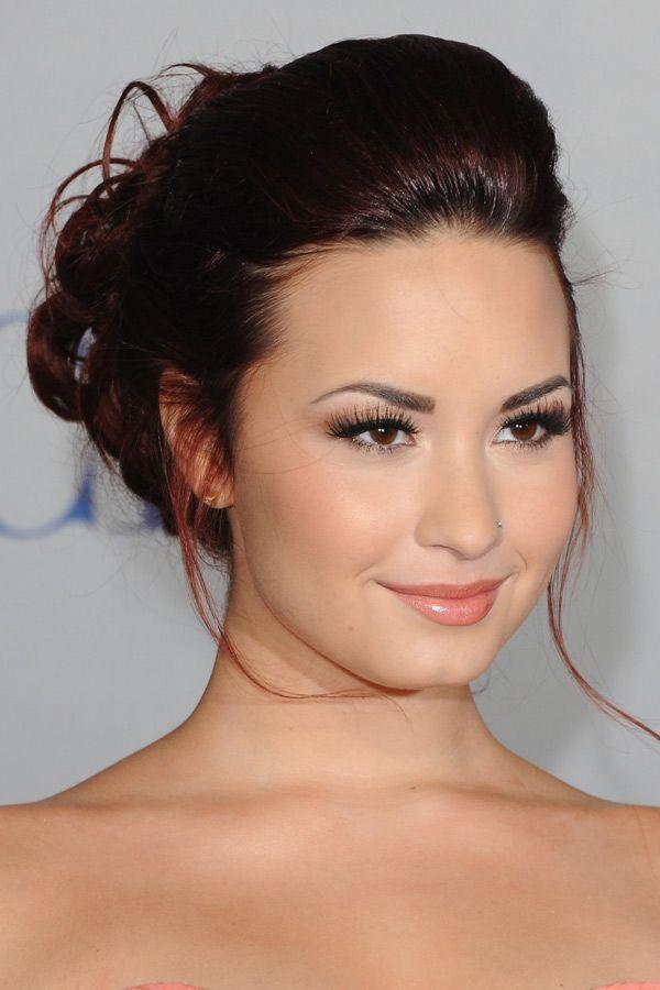 Love Demi Lovato's hair style