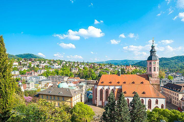 Baden baden tyskland hit ska du resa i juli resor och planerare - Office du tourisme baden baden ...