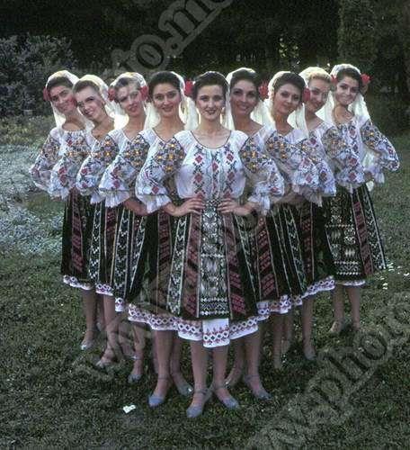 Картинки узоров молдавских костюмов