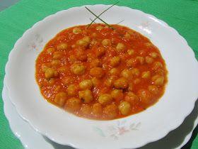 garbanzos a la catalana. Cocina tradicional.