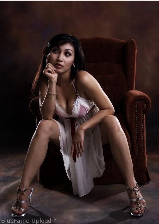 pretty nude indonesian model