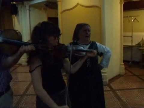 Hideg Anna néni: Már Füzesből, Édesanyám, sejahaj, mondanék valamit, gyors csárdás - YouTube